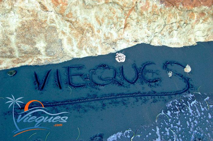 puerto-rico-beaches-black-sand-vieques-island-12