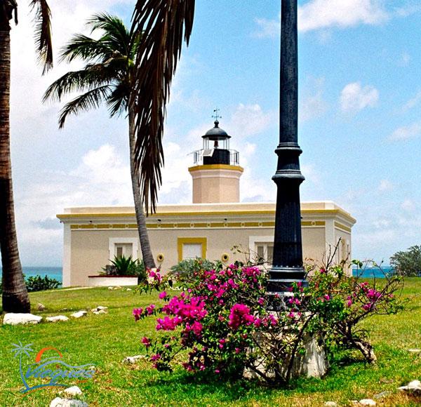 Faro Punta Mulas - Vieques, Puerto Rico