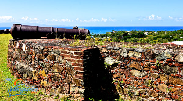 vieques-attractions-fortin-puerto-rico-cannon