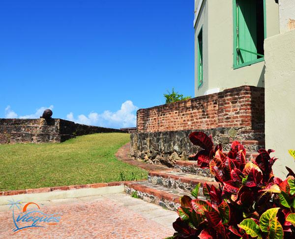 vieques-puerto-rico-landmarks-fortin-mirasol