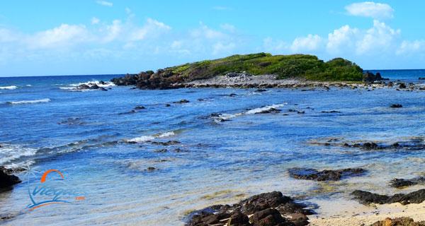 la-chiva-beach-offshore-cay-vieques-puerto-rico