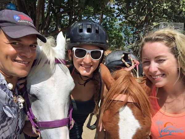 vieques-horseback-riding-tour-interns